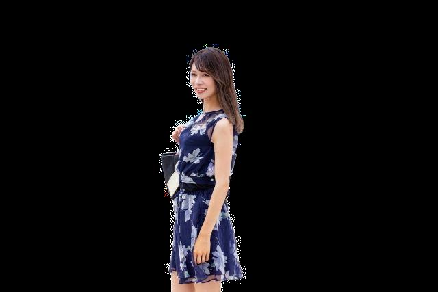 PicWishで透過処理した女性の画像