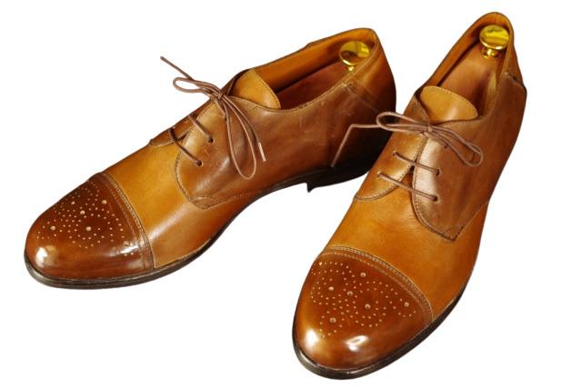 canvaで白抜きした革靴の画像